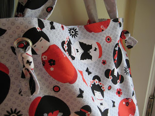The 'Anywhere Tote' – Tote Bag Tutorial - Quilting Tutorials and Fabric Creations - Quilting in the Rain