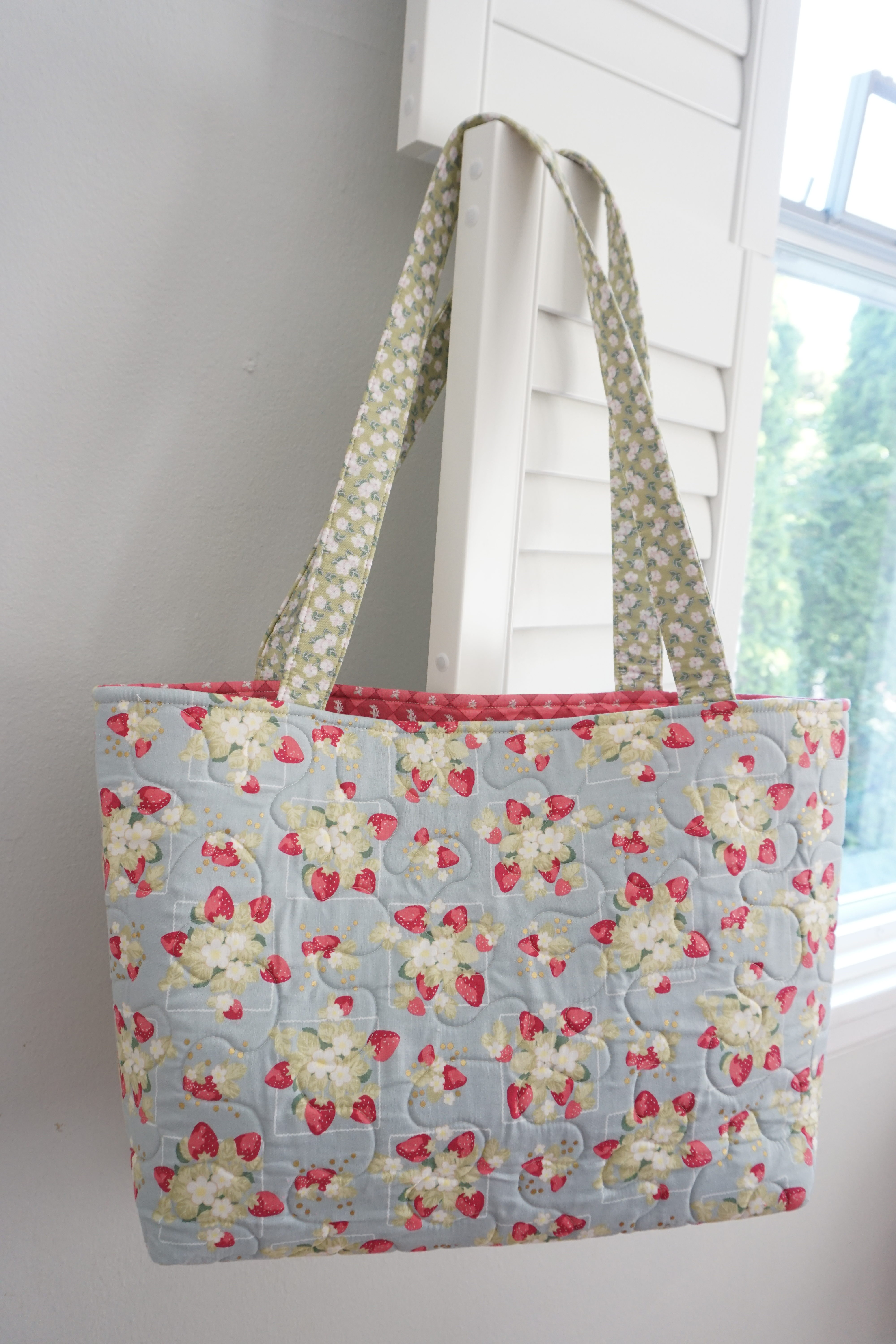 If You Want To Make A Quicker Version Of This Bag Just Ditch The Patchwork And Use Full Panel Fabric Instead As Shown Below